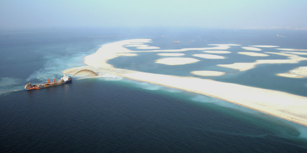 How the Palm Jumeirah was built: 7 mind-blowing facts   Travelzoo