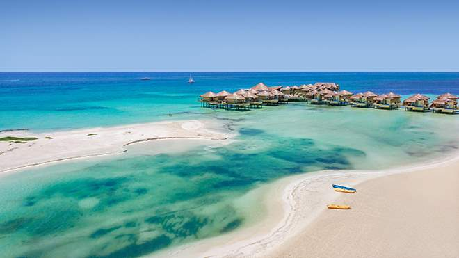 It S All About Location And Karisma Hotels Resorts Didn T Hold Back When Deciding To Dock The Bungalows Off Of Maroma Beach Ranked One Top 10