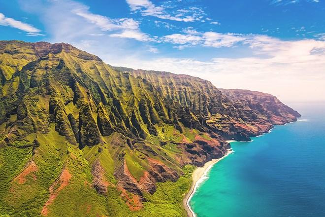 3_NaPaliCoast_Kauai_Hawaii_shutterstock_618002255.jpg?width=820