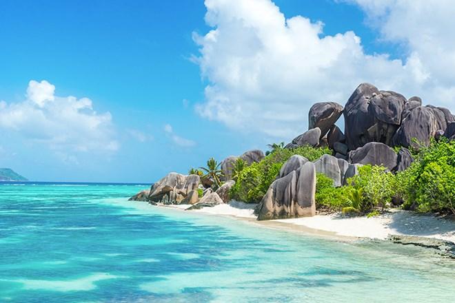 7_AnseSourceDArgent_LaDigue_Seychelles_shutterstock_303523277.jpg?width=820