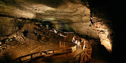 Sullivan Cave Indiana Map.15 Incredible Caves To Explore In America Travelzoo
