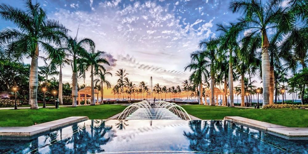 $895 & up – Maui: Luxury Grand Wailea Escape incl. Flights