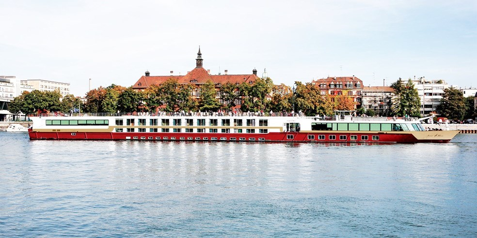 Danube River Cruise WStays In Budapest Munich Travelzoo - 10 best european river cruises 2