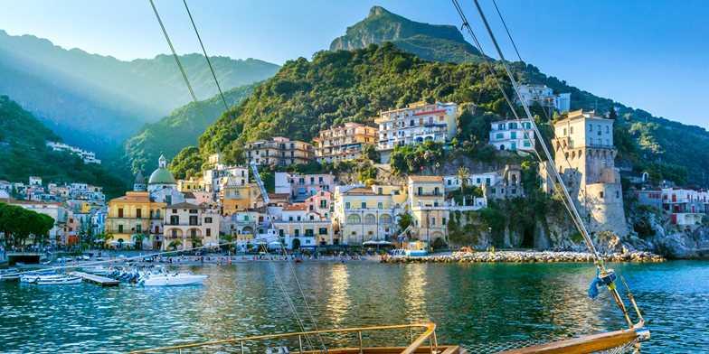 7-night Pompeii & Bay of Naples trip w/flts & meals | Travelzoo
