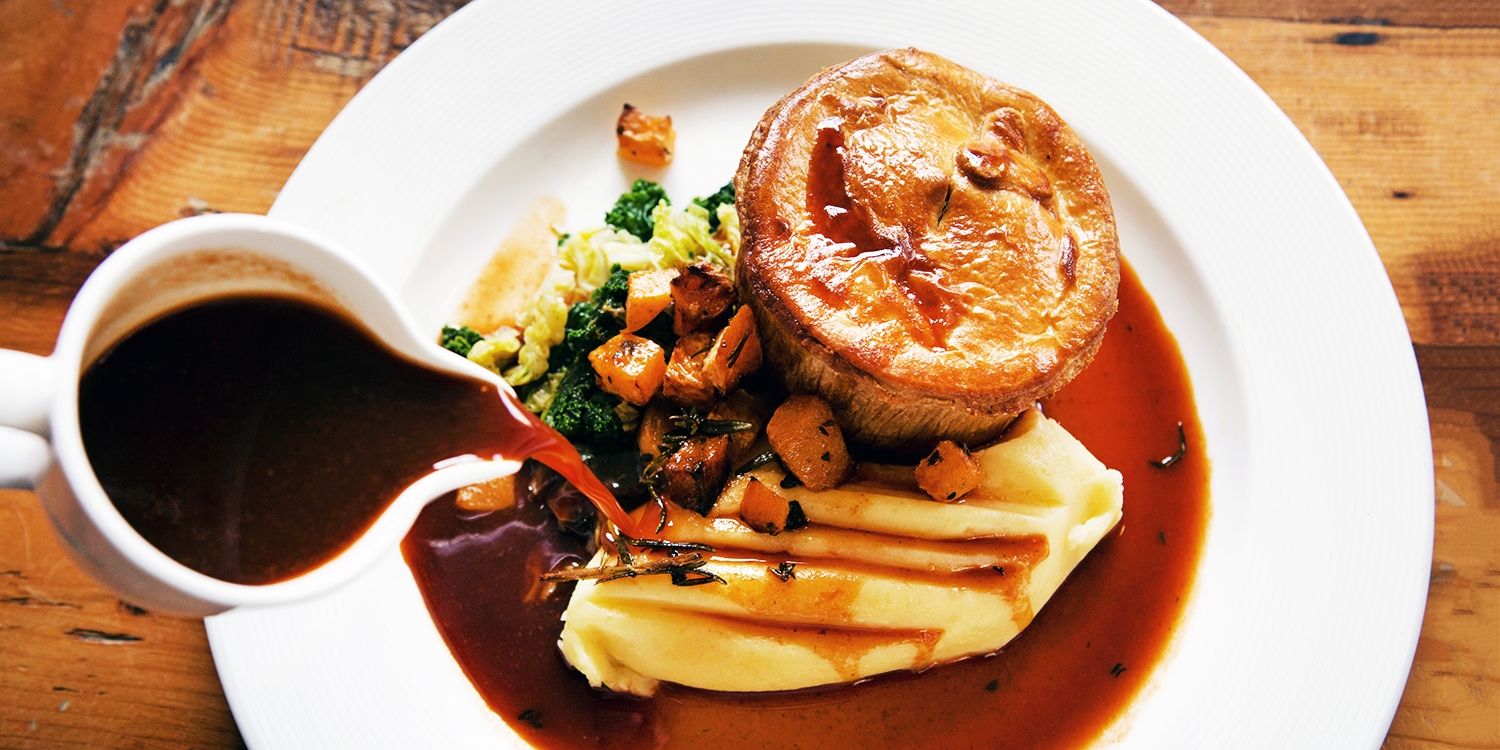 3-course meal & bubbly for 2 at Essex pub, 49% off