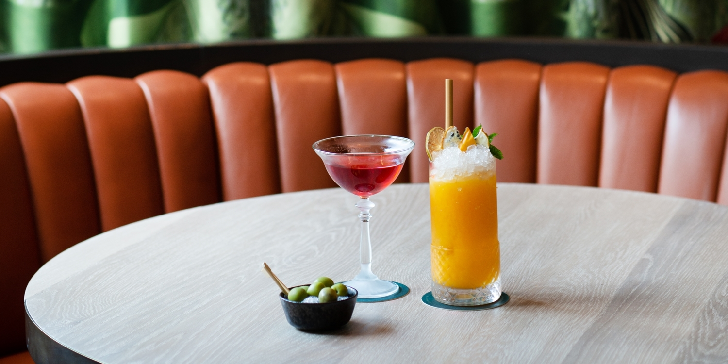 Tropical-themed bar on Trafalgar Square: 4 cocktails
