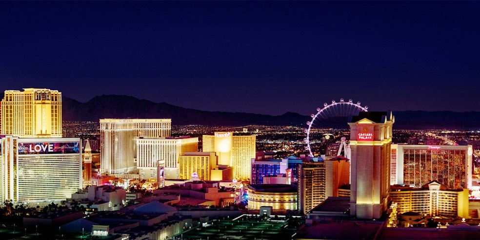 Las Vegas Vacations, Save money on your Las Vegas Vacation from Canada, 3 & 4 night Las Vegas Hotel Packages. Shop, Compare and Pay Less.