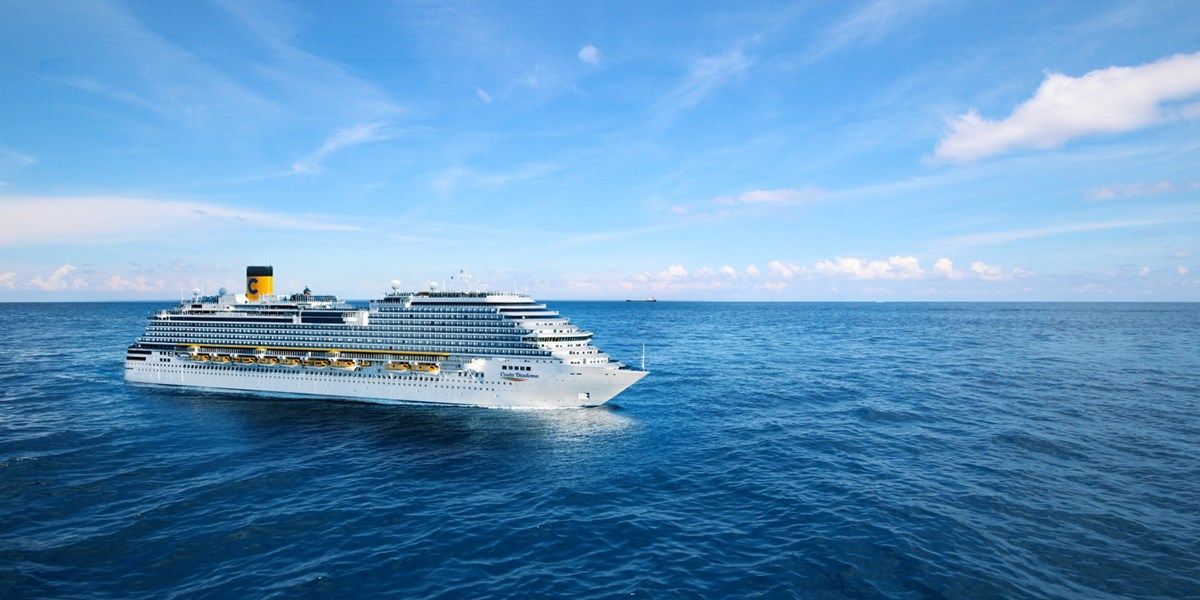 Orient: Kreuzfahrt, Mega-Hotel Atlantis & Flug