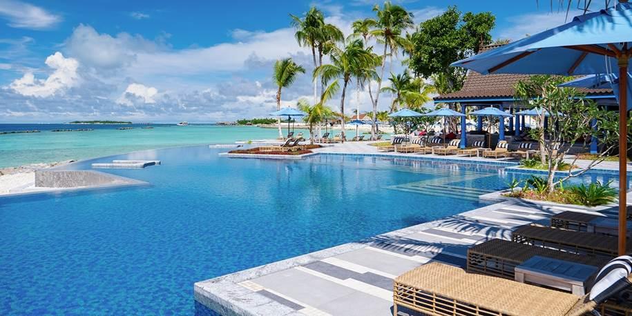 Maldives 5-Star Retreat incl. Overwater Villas