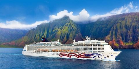 $999 -- Hawaii 8-Night Cruise & Hotel Package, Save 40%