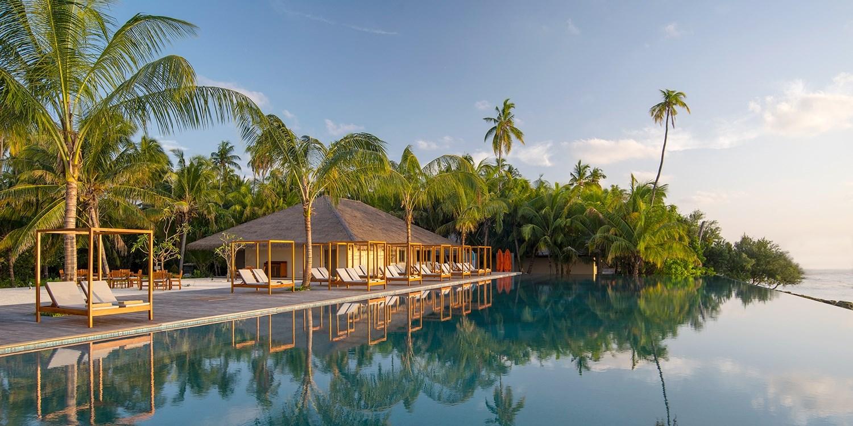 $2999 -- A Week in 'Spellbinding' Maldives w/Half Board