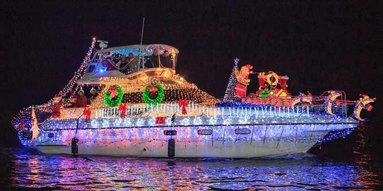 19 Newport Beach Christmas Boat Parade For 2 Travelzoo