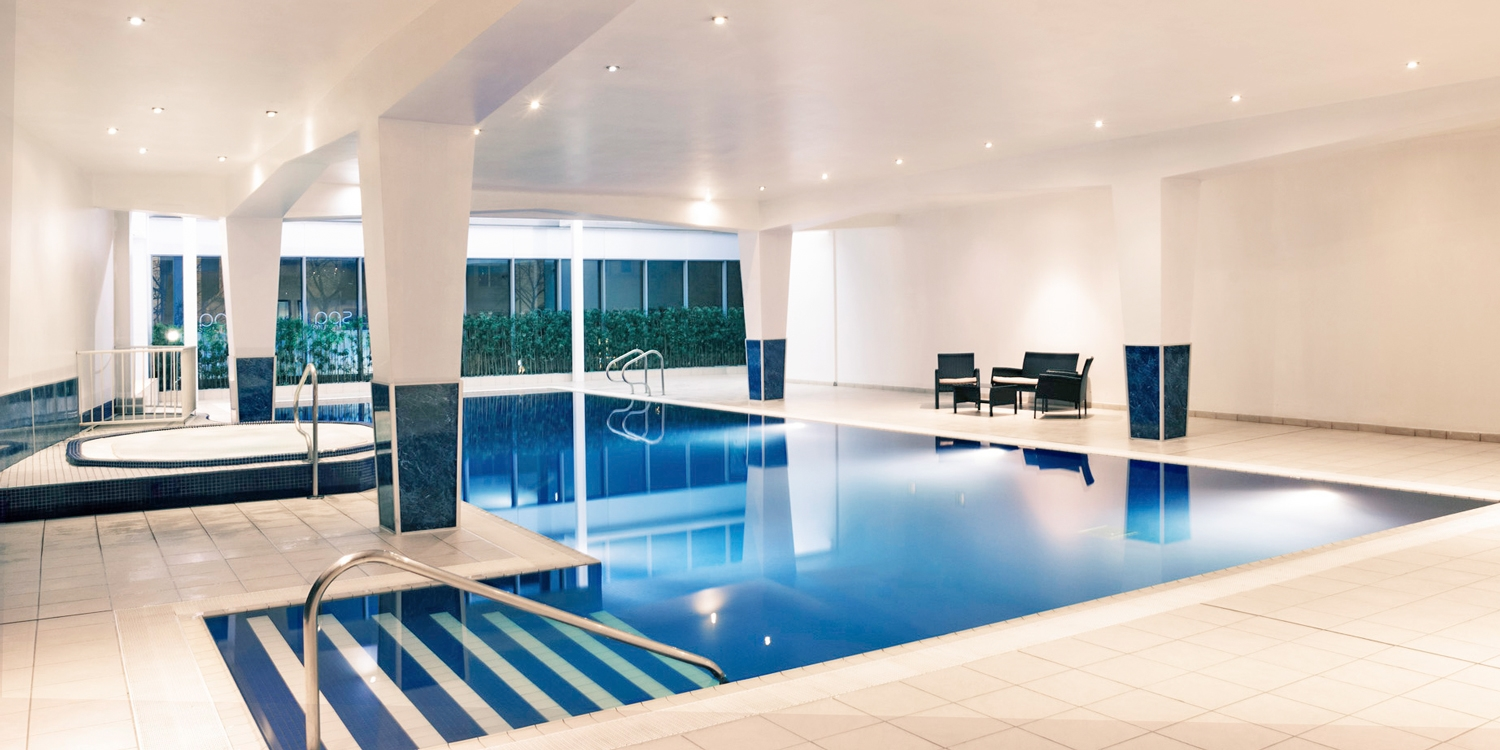 Cardiff spa day w/massage, facial & lunch, save 37%