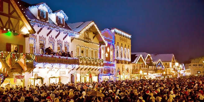 69 – Luxe Coach Trip To Leavenworth Christmas Lighting Travelzoo - Leavenworth Christmas Lighting Festival