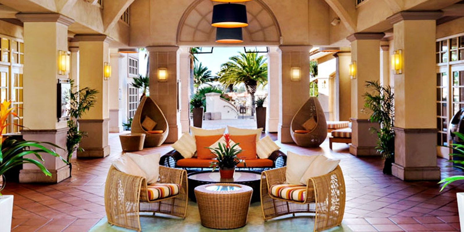 $89 --  Hilton SD Resort & Spa: Luxe Facial Package w/Bubbly