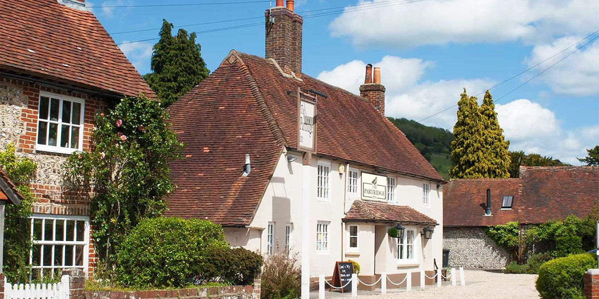 £35 -- 3-Courses for 2 at 'Pretty' West Sussex Country Pub