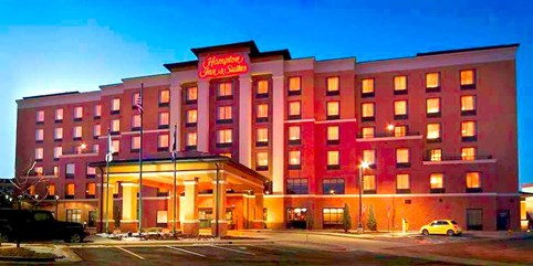 89 125 Weekend Stays At Denver Airport Hotel With Shuttle Breakfast