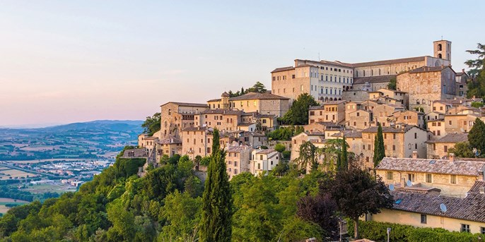 Italy Weeklong Castle Retreat w/Flights, Save $450