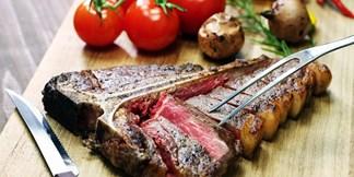 99 € – dry aged steak für 2 im wohnzimmer-restaurant, -49% | travelzoo, Wohnzimmer