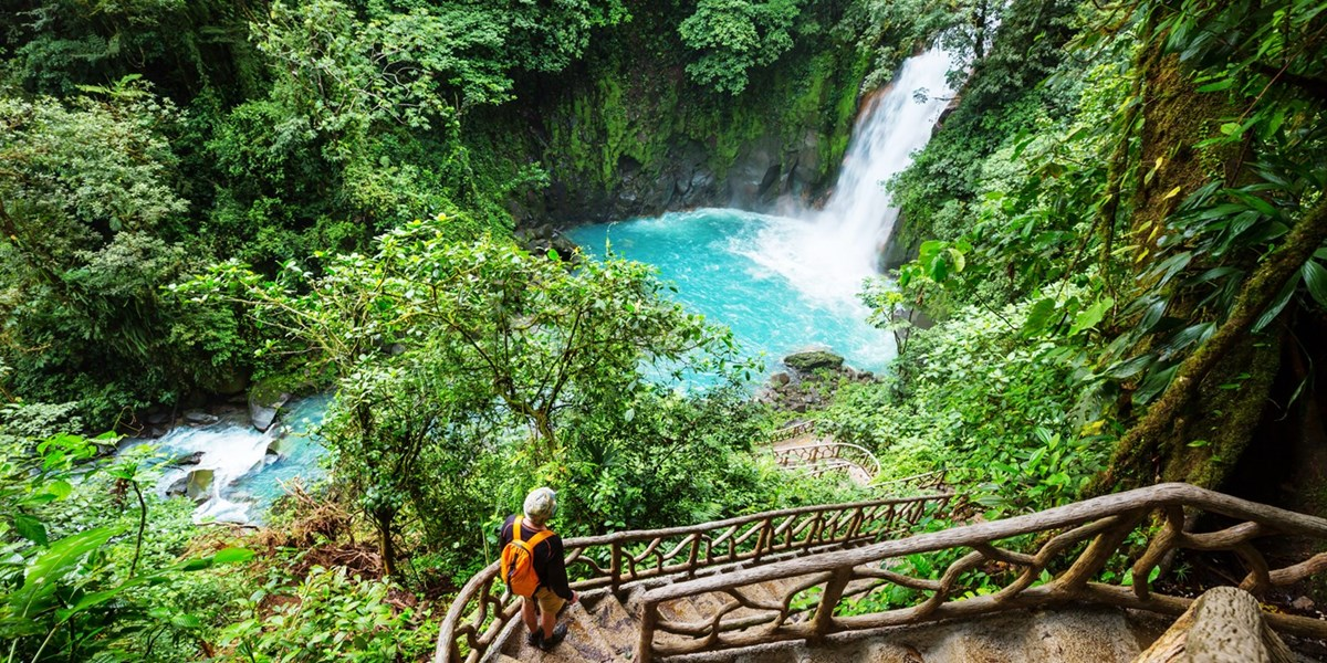 Costa Rica: 2 Wochen Rundreise & Baden, -800 €