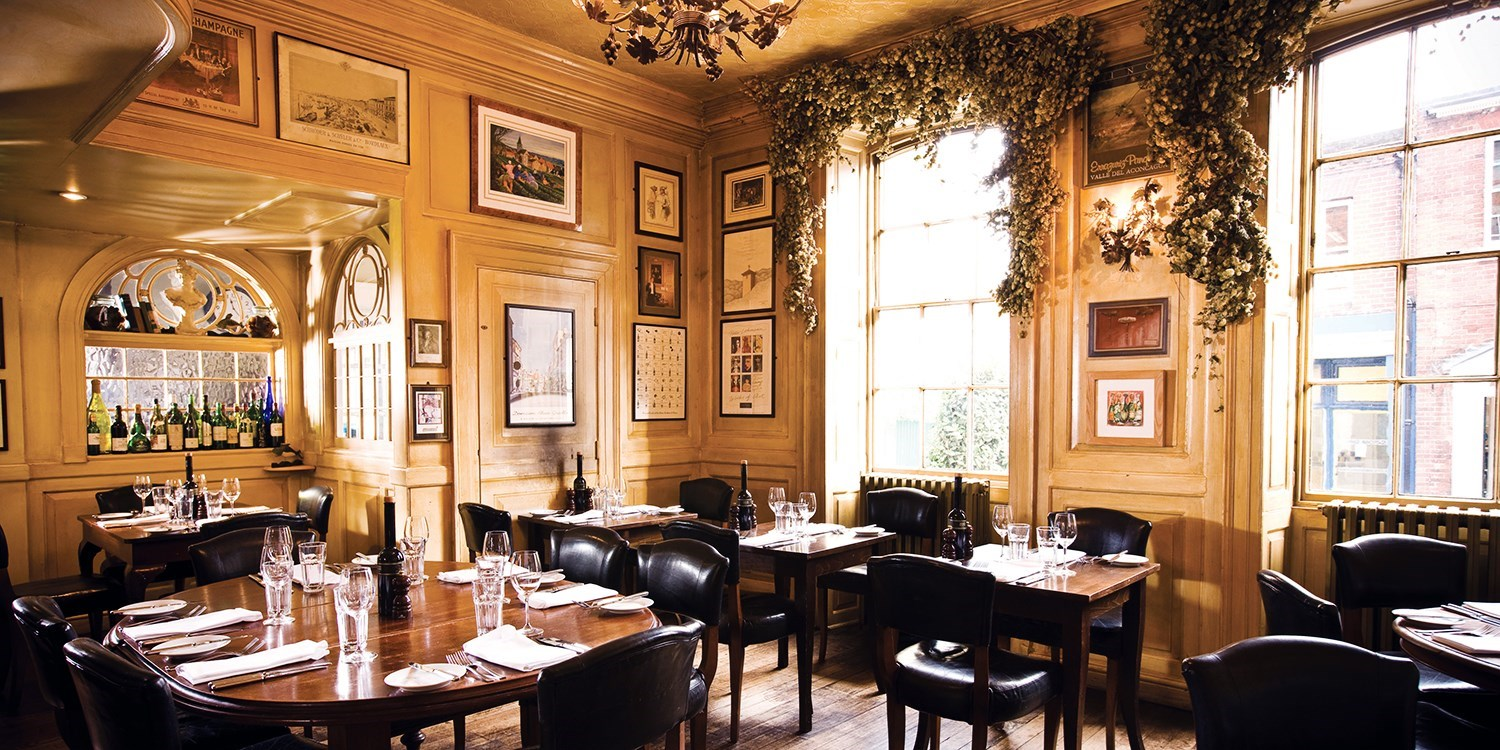 Winchester: Sunday lunch for 2 at French bistro