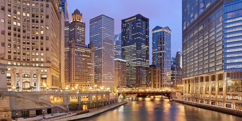$172 – Chicago: Mag Mile All-Suite Omni Hotel w/Parking -- Magnificent Mile, Chicago
