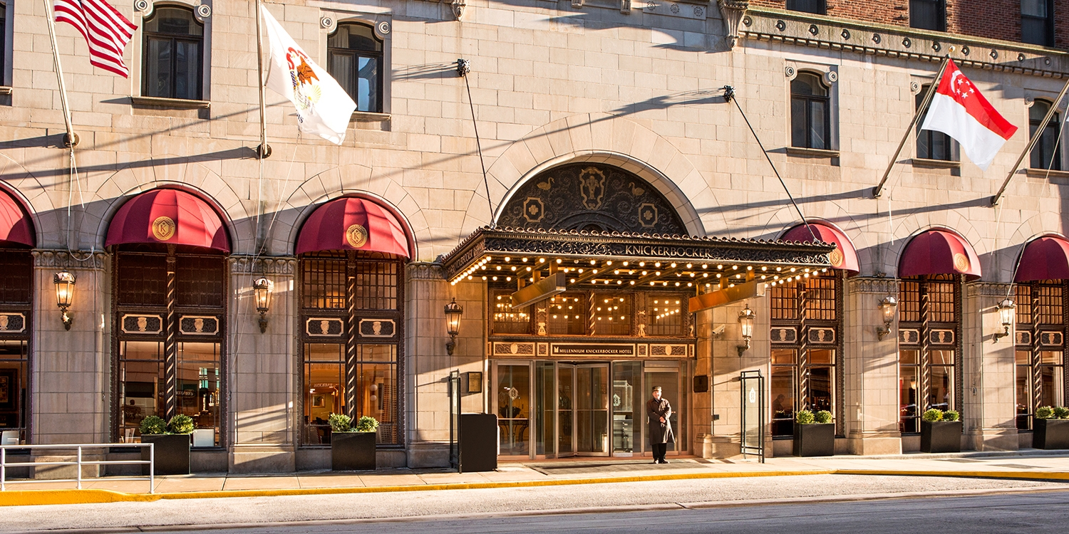 $139 – Chicago: Summer Stays at 4-Star Historic Mag Mile Hotel -- Streeterville, Chicago