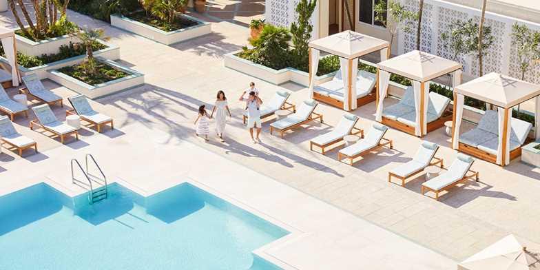 Four Seasons Resort Palm Beach | Travelzoo