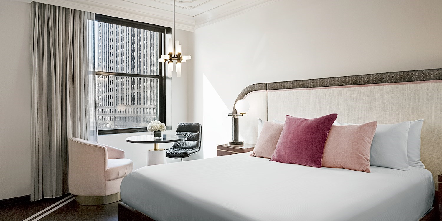 $119 & up – Chicago 4-Star Summer Stays w/City Views, Save 60% -- The Loop, Chicago