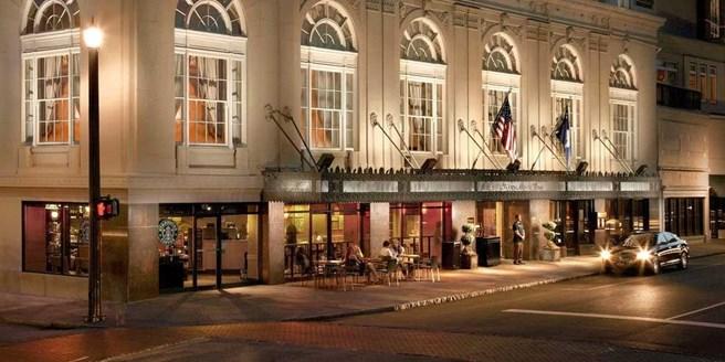 149 Historic Downtown Charleston Hotel W Breakfast Wine