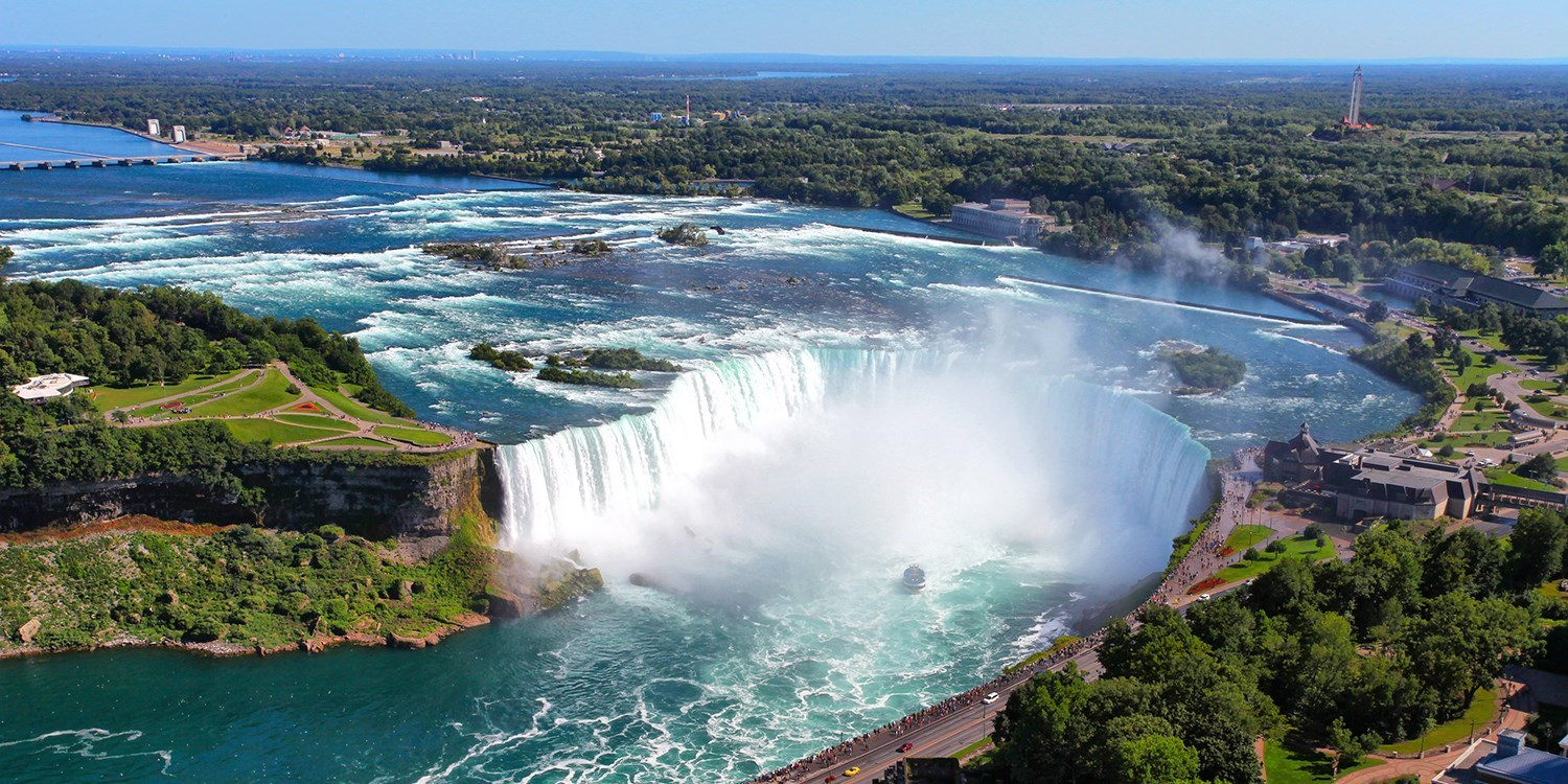 £91 – Niagara Fallsview Suite with Breakfast, Reg. £291 -- Niagara Falls, Canada