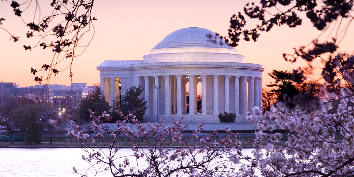 £126 – D.C: 4-Star Hotel w/ RooftopPool, 40% Off -- Downtown - Dupont Circle, Washington, D.C.