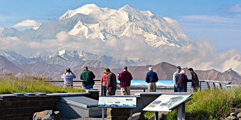 $1899 -- Alaska 10-Nt. Upscale Cruise Tour w/$1380 in Extras