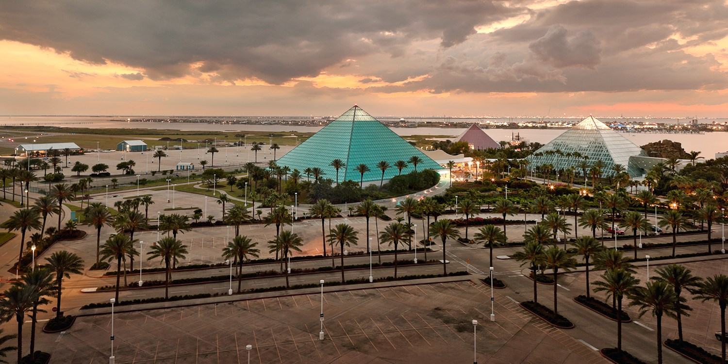 Moody Gardens Hotel, Spa and Convention Center | Travelzoo