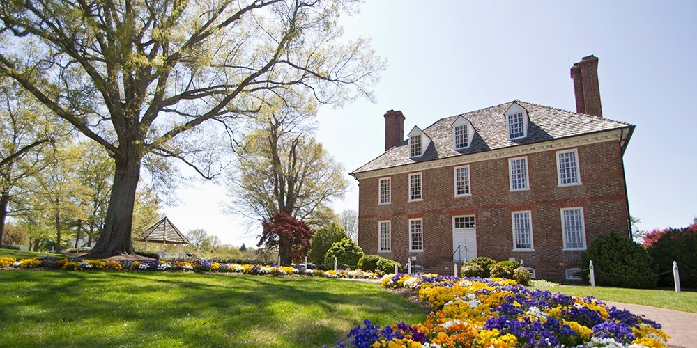 $77 – Historic Williamsburg Manor Stay for up to 4 -- Williamsburg, VA
