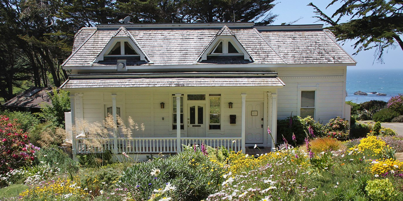 $267 & up – Member-Favorite Mendocino Oceanfront Inn, 40% Off -- Elk, CA