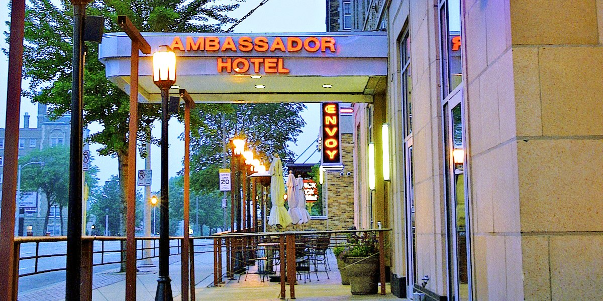 Ambassador Hotel - Milwaukee -- Milwaukee, WI