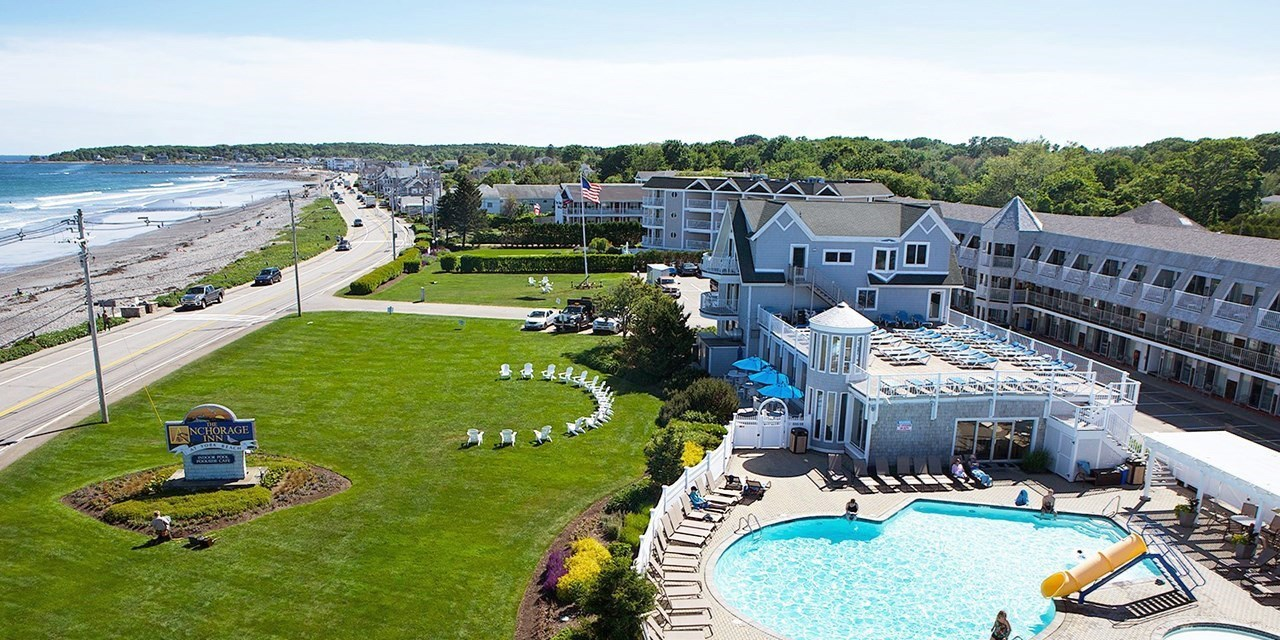 $104 – Coastal Maine Inn w/Oceanview Room -- York Beach, ME