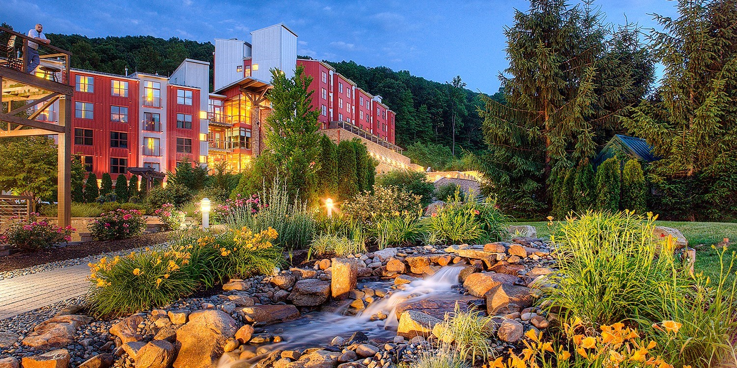 $121 – Pennsylvania Mountain Resort w/Breakfast, 50% Off -- Macungie, PA
