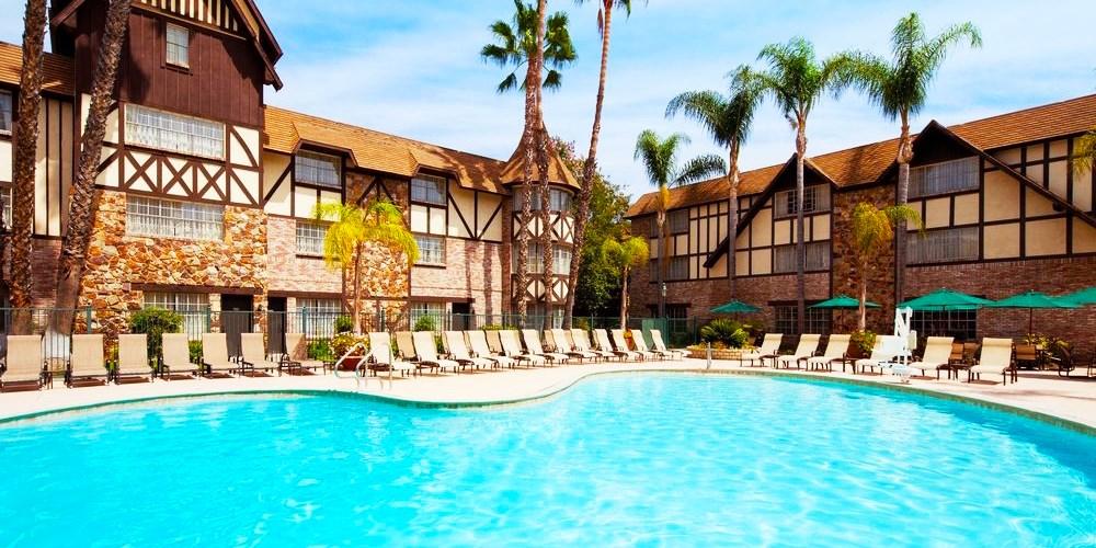 Anaheim Majestic Garden Hotel -- Anaheim, CA