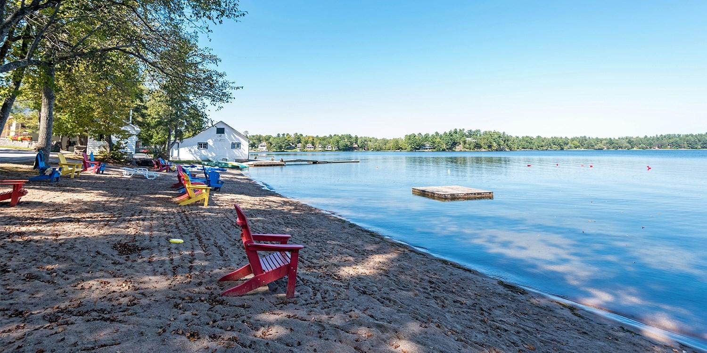 £68 – Muskoka Lakefront Stay w/Breakfast, 65% Off -- Muskoka, Canada