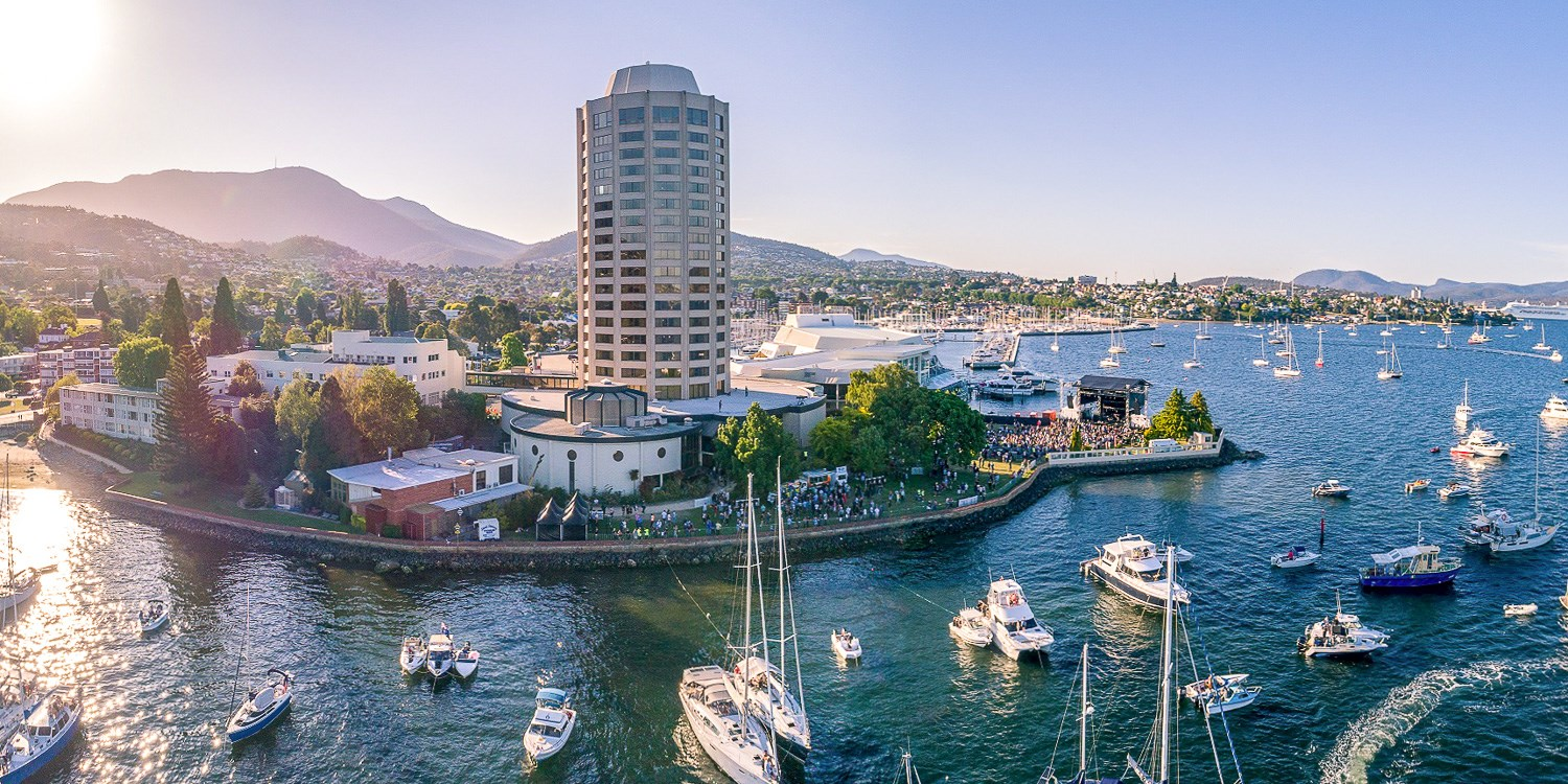 £73 – Hobart: Luxury Harbour Stay w/Drinks, Late Checkout & More, Save 57% -- Sandy Bay, Hobart