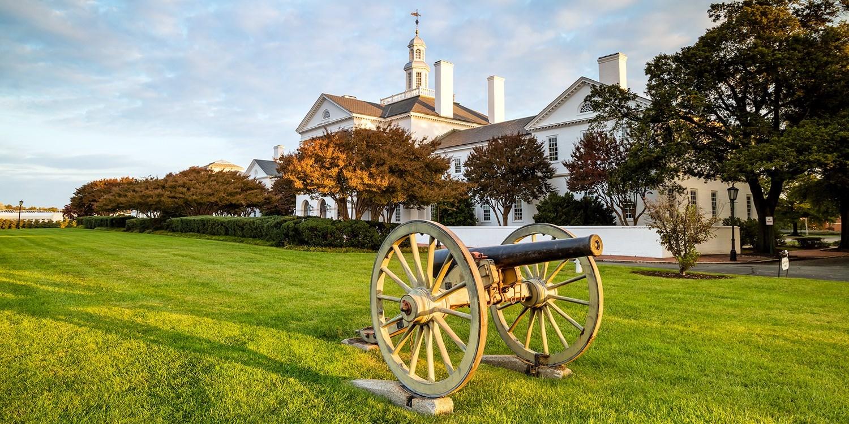 £110 – Explore Richmond: Downtown Stay w/Breakfast, 45% Off -- Richmond, VA