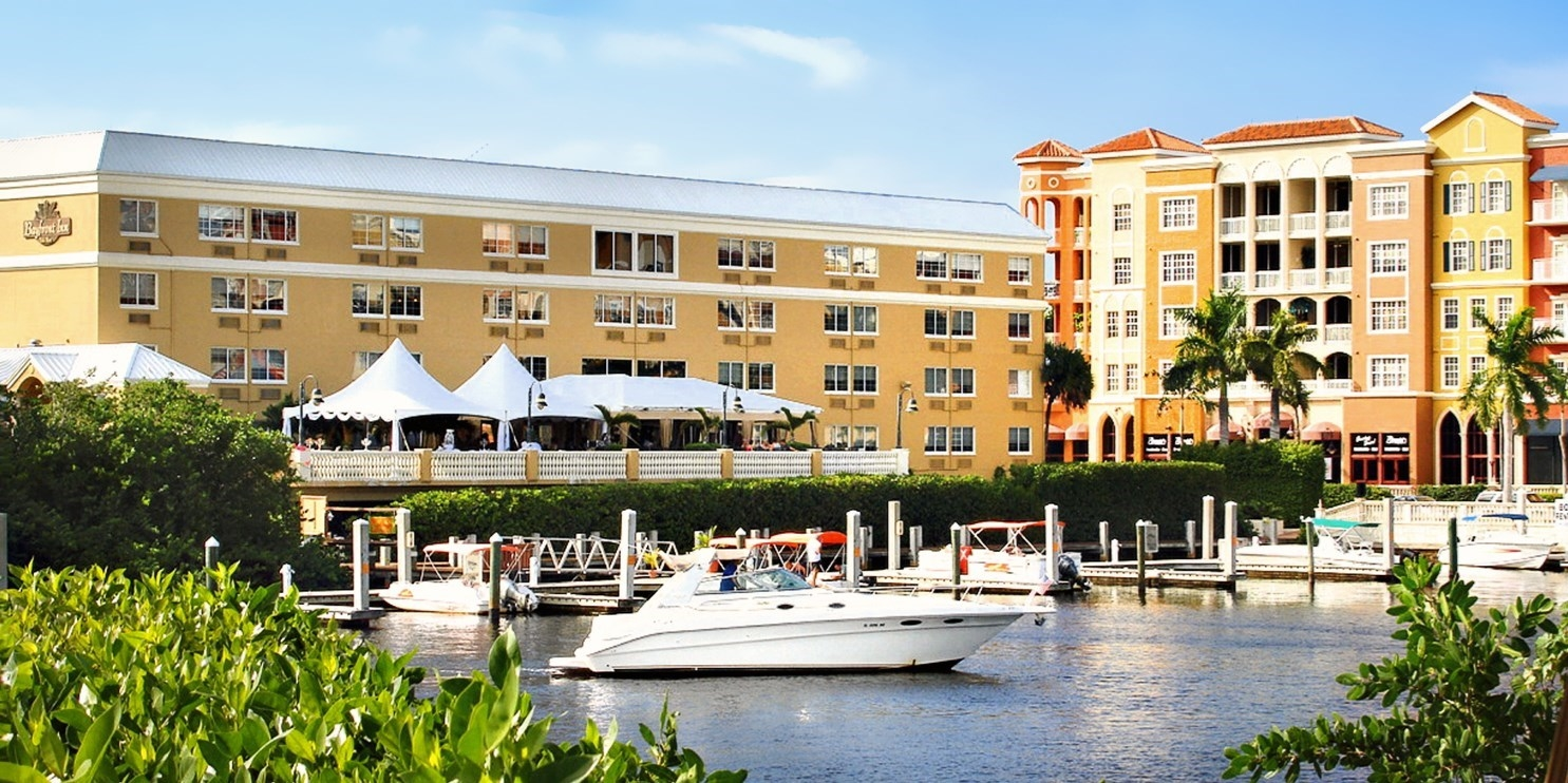 $99 – Naples Waterfront Hotel w/Breakfast, 60% Off -- Naples, FL
