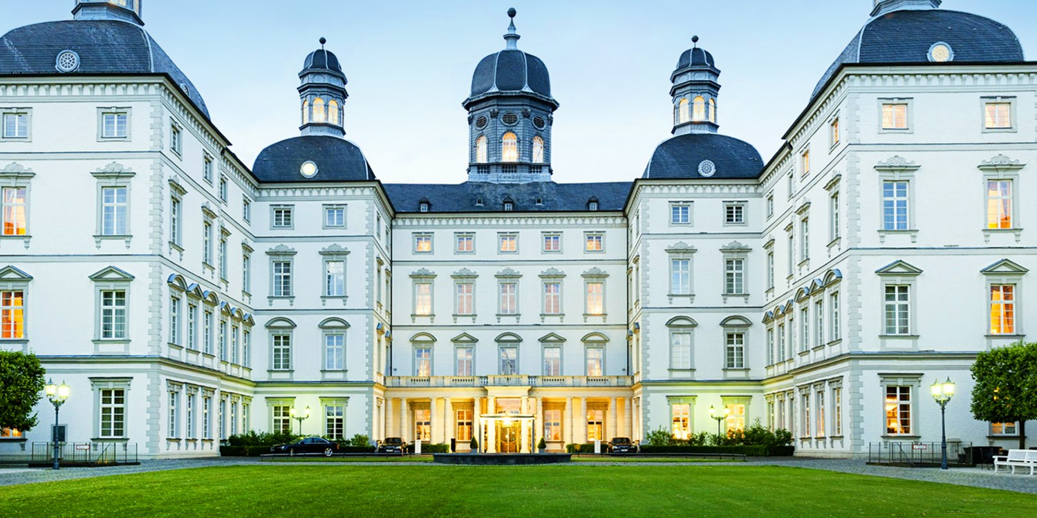 althoff grandhotel schloss bensberg travelzoo. Black Bedroom Furniture Sets. Home Design Ideas