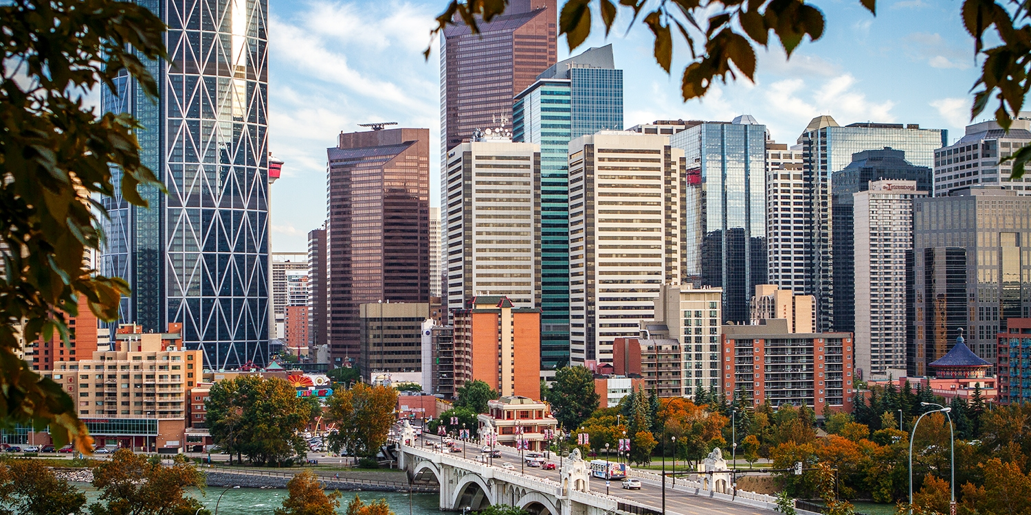 $91 – Calgary Airport Hotel w/14 Days Parking & Breakfast -- Calgary, Canada