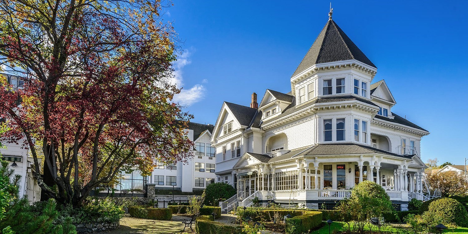 Huntingdon Manor Hotel -- Victoria, British Columbia