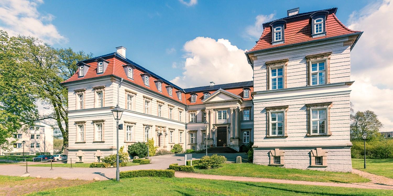 ab 78€ – Schloss-Romantik in Mecklenburg mit HP, -39% -- Neustadt-Glewe
