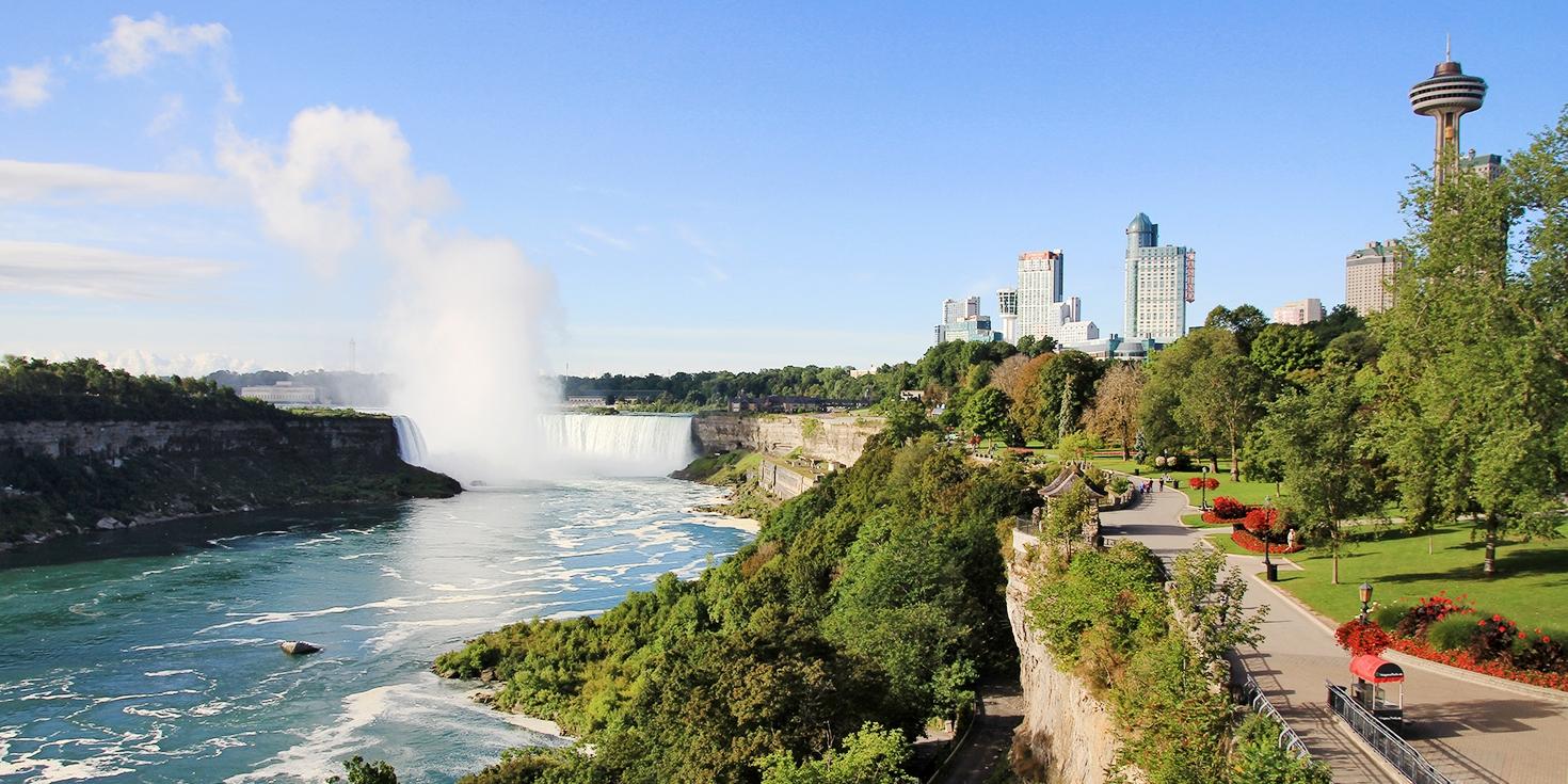 $99 – Niagara Falls: Tower Hotel w/Casino Credit, Reg. $265 -- Niagara Falls, Ontario