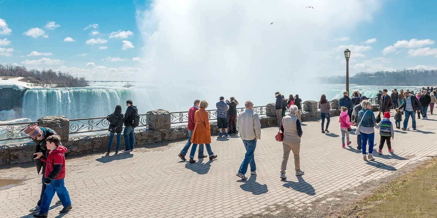 £52-£59 – Niagara Falls Stays into June incl. Extras -- Niagara Falls, Canada